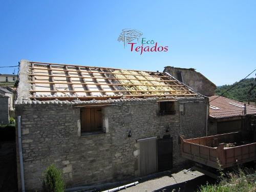 Cambio de uralita por teja en un tejado for Aislante para tejados