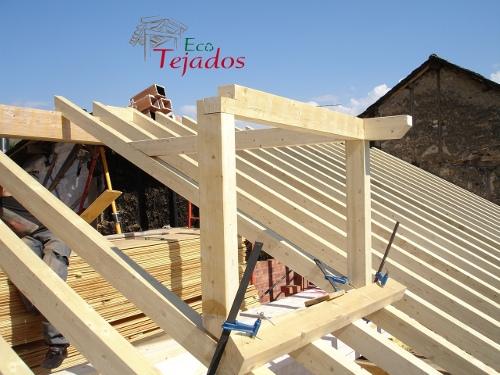 Construir tejado de madera affordable de piedra for Tejados de madera en galicia
