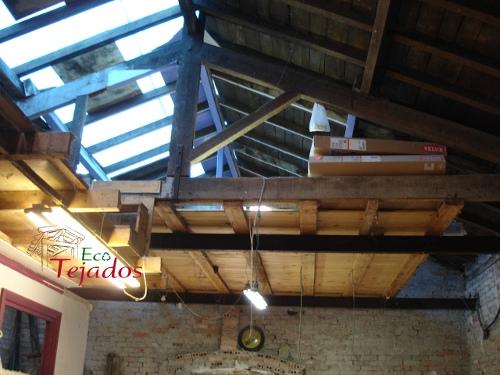 Proceso de construcci n de un tejado en for Tejados de madera vista