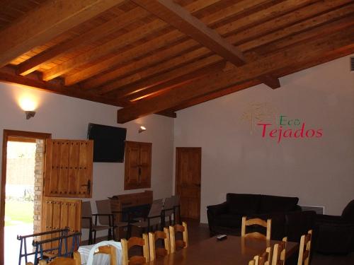 Proceso de construcci n de un tejado y for Tejados de madera a 4 aguas