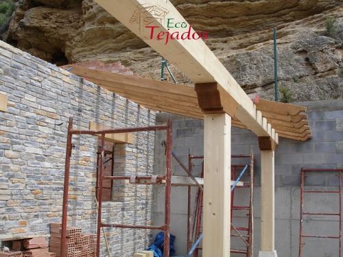 Proceso de construcci n de un tejado y - Construccion de tejados de madera ...