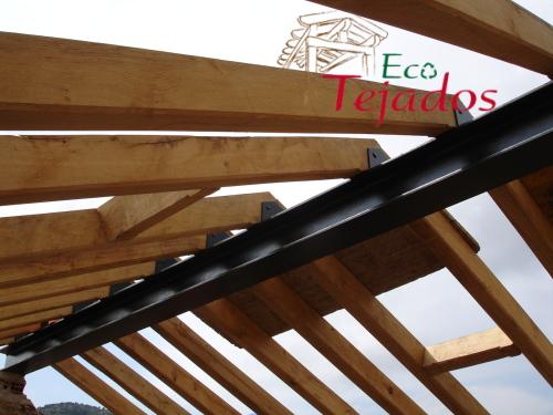 Conozca la variedad de trabajos for Tejados de madera en vizcaya